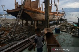 Kendala pembuat kapal kayu di Donggala