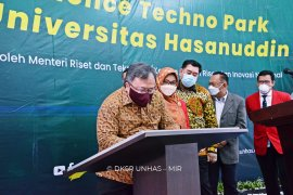 Menristek resmikan Science Techno Park Unhas di hari terakhir jabatannya