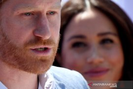 Pangeran Harry mengaku hidupnya menderita karena sang ayah