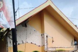Sejumlah bangunan di Blitar rusak akibat gempa