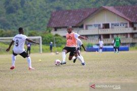 Pelatih Jacksen Tiago harap Persipura Jayapura bermain lebih agresif dan taktis