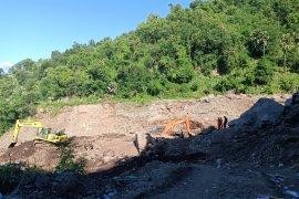 18 dari 26 penduduk  lereng gunung Ile Api ditemukan meninggal