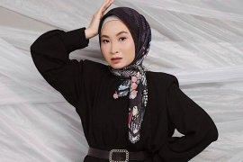 Pemilik brand baju muslim Radwah Hartini meninggal dunia