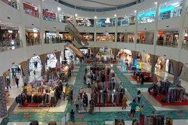 Pusat perbelanjaan di Kota Mataram ramai jelang Ramadhan