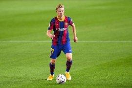 Frankie de Jong sebut El Clasico laga penting, tetapi tak menentukan