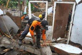 Penanganan dampak gempa Malang Page 2 Small