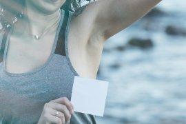 Alasan bau ketiak seperti bawang dan tips cara mengatasinya