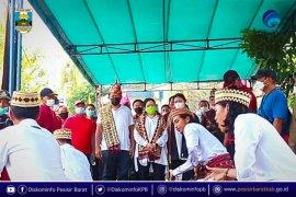 Ke Pesisir Barat, Puan Maharani diberikan gelar adat Ratu Mustika Kartadilaga