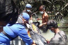 Nelayan temukan mayat tersangkut di bakau Pulau Karimun Anak