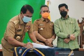 Gubernur Kaltara serahkan beberapa aset kepada Wali Kota Tarakan