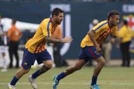 Messi rayu Neymar agar kembali ke Barcelona