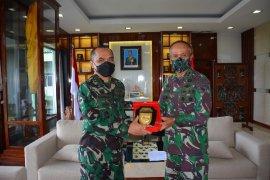 Kasad beri bantuan APD Rumah Sakit TNI AD Kodam XVII/Cenderawasih