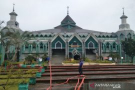 Masjid Al-Markaz Al-Islami Makassar kurangi jatah buka puasa