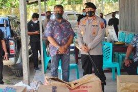 Polisi salurkan bantuan untuk warga eks Tim-Tim terdampak bencana