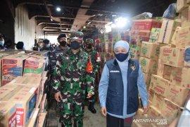 KRI Tanjung Kambani antar bantuan untuk korban bencana alam NTT