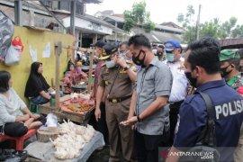 TPID Pemkab OKU sidak pasar antisipasi lonjakan harga sembako