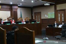 Mantan Menteri Kelautan didakwa terima suap Rp25,75 miliar
