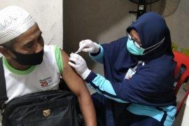 355 JCH Bengkalis divaksin meningitis