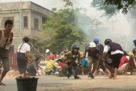 Pasukan keamanan Myanmar tembaki para demonstran pekerja medis