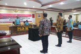 Panitia-peserta seleksi Akpol Polda Sulut tanda tangan pakta integritas