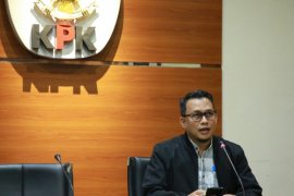 KPK limpahkan berkas tiga terdakwa suap di Pemkab Banggai Laut