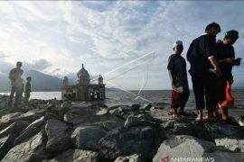 Kawasan bekas tsunami Kota Palu menjadi destinasi favorit ngabuburit