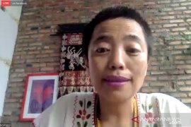 Sekjen AMAN Rukka Sambolinggi tegaskan pentingnya peran perempuan dalam masyarakat adat