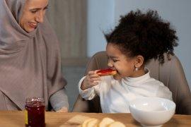 Kunci menjaga daya tahan tubuh anak saat sedang belajar puasa