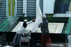 Tadarus Al Quran Raksasa
