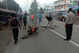 Polisi ciduk dua terduga pelaku dalam bentrok warga