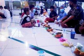 Tradisi Buka Puasa Bersama Di Masjid Jayapura