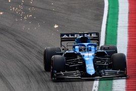 Alonso raih poin pertamanya setelah Raikkonen kena penalti di Imola Italia