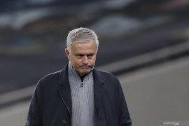 Jose Mourinho telah resmi dipecat Tottenham Hotspur