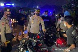 Polres Bekasi bubarkan kegiatan sahur di simpul keramaian