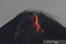 Gunung Merapi kembali luncurkan 16 kali guguran lava pijar