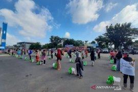 Pemprov Jambi salurkan 11.000 paket sembako murah untuk bantu warga masyarakat di 11 kabupaten/kota