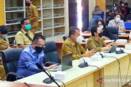Dirut PD pasar Manado janji selesaikan honor karyawan dalam 100 hari