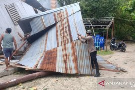 Polres Kepulauan Talaud lakukan penanganan wilayah terdampak badai siklon