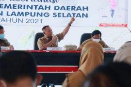 Bupati Lampung Selatan pimpin rakor bulanan antisipasi arus mudik