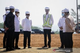 Jokowi and entourage visit and review Batang industrial zone\'s readiness