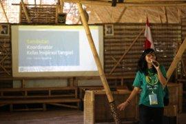 Sosok Kartini - Jadi relawan sana-sini, raih energi dari berbagi