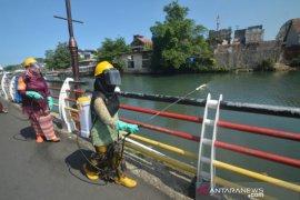 Srikandi Relawan Bencana Berkebaya