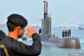 Pencarian kapal selam KRI Nanggala-402 di perairan Bali masih nihil