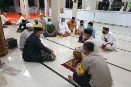 Kapolres Enrekang tegur pengurus masjid karena langgar protokol kesehatan COVID-19