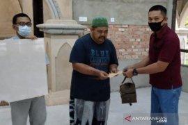 PT KTU Siak salurkan bantuan semen dan keramik untuk masjid