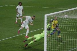 Dua gol Benzema antarkan Real Madrid puncak klasemen Liga Spanyol