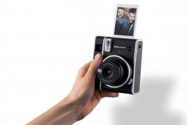 Kamera instax Mini 40 meluncur dengan desain klasik