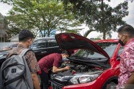 Dua Mobil Milik Tersangka Masjid Raya Srwiwijaya Eddy Hermanto Disita Kejati Sumsel Page 2 Small