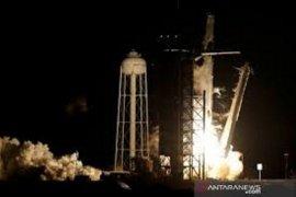 Cara menyaksikan siaran langsung pengiriman astronot oleh SpaceX