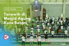 Tarawih perdana di Masjid Raya Batam